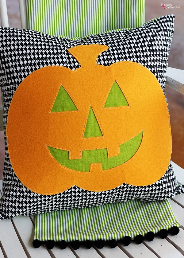 Tutorial: Jack-o-lantern Halloween throw pillow