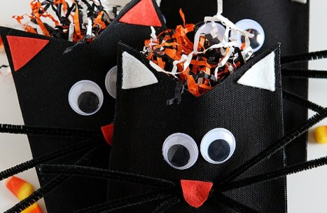 Tutorial: Black cat Halloween treat pouches