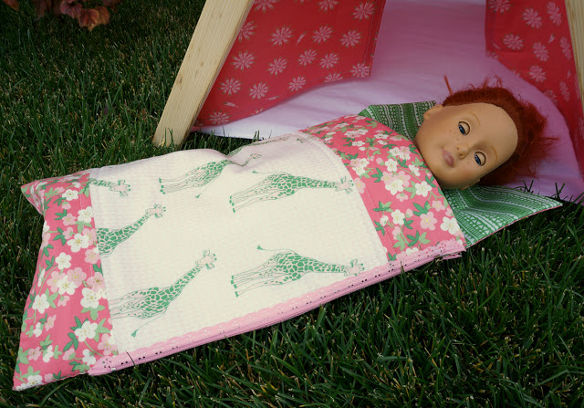Tutorial Doll Sleeping Bag With An Exposed Lace Zipper