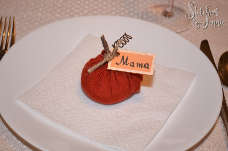 Tutorial: Fabric pumpkin placecard holders