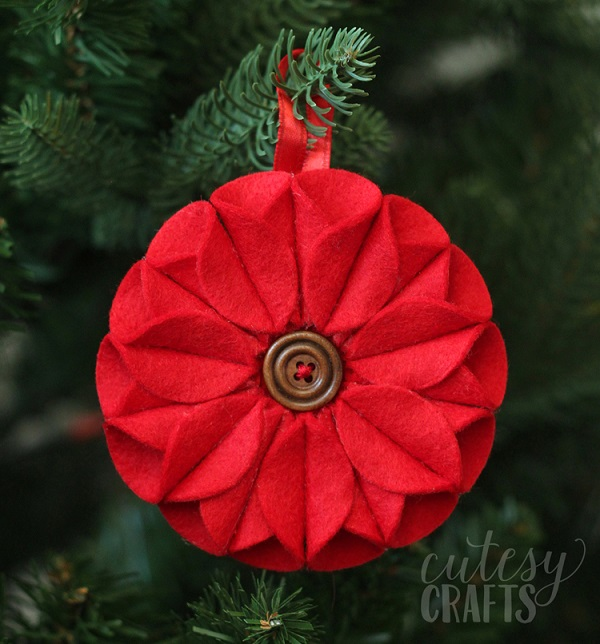 Tutorial: Felt circle pointsettia Christmas ornament