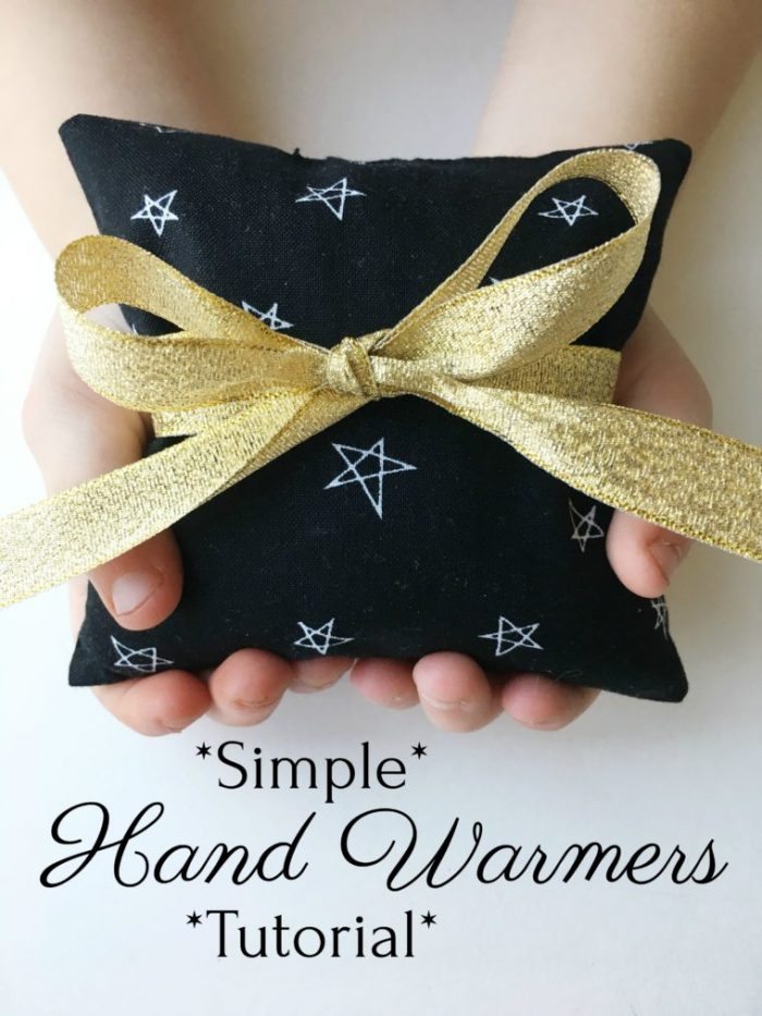 Tutorial: Simple hand warmers from charm squares
