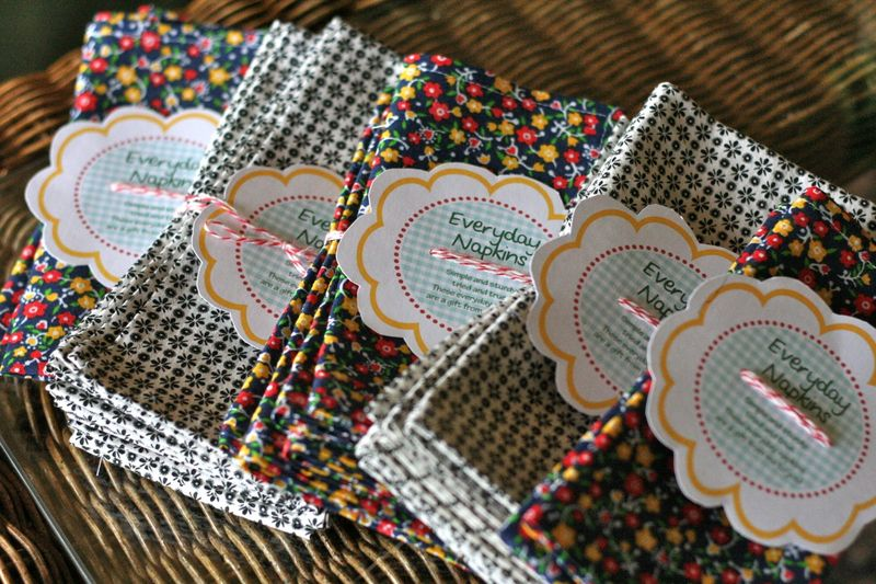 Tutorial: 9-minute mitered corner fabric napkins