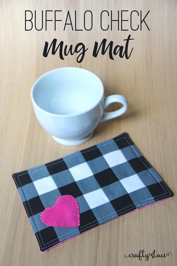 Tutorial: Buffalo check heart mug rug