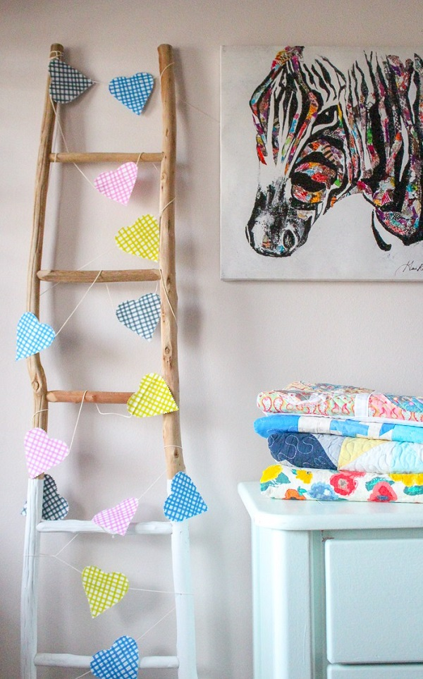 Tutorial: No-sew fabric heart banner