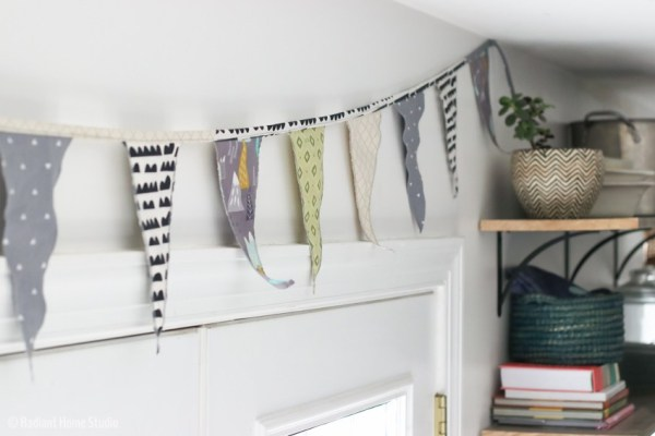 Tutorial: Easy pennant banner party decoration