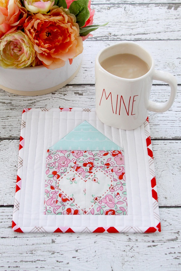 Tutorial and pattern: Heart and Home mug rug