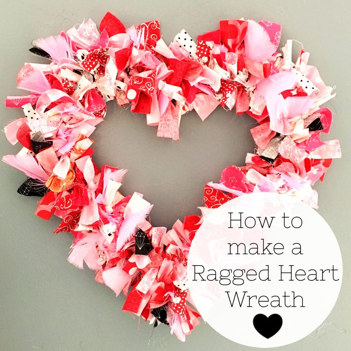 Tutorial: No-sew fabric heart wreath