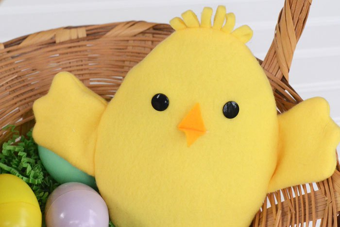 Tutorial and pattern: Reversible Easter egg and chick softie