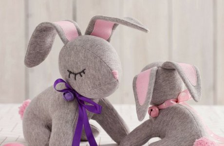 Tutorial and pattern: Bunny softie from knit fabric