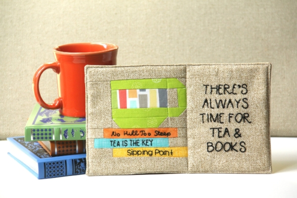 Tutorial and pattern: Time for tea and a book mug mat