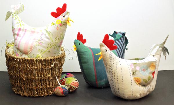 Tutorial and pattern: Cheery chicken softie
