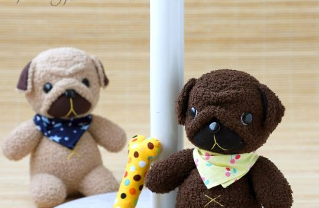 Free sewing pattern: Sock pug softie