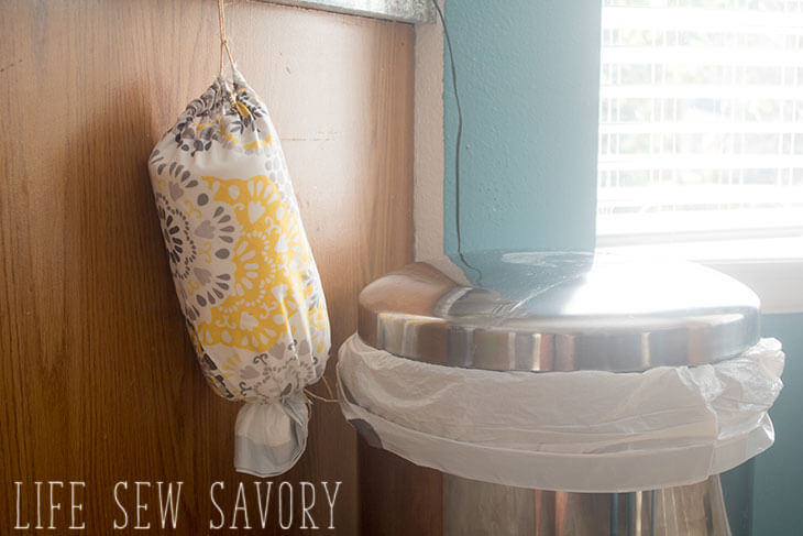 Sewing tutorial: Easy trash bag dispenser