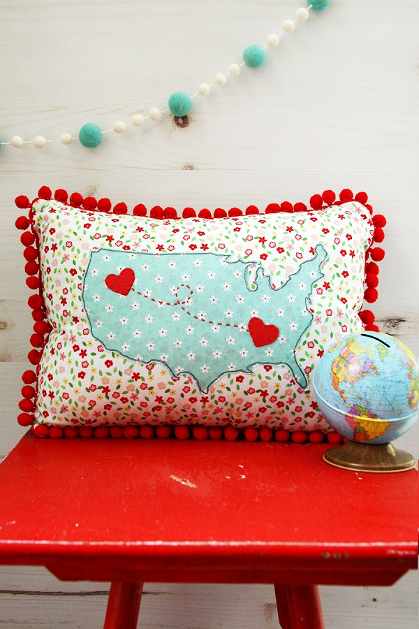 Sewing tutorial: US map pom pom pillow