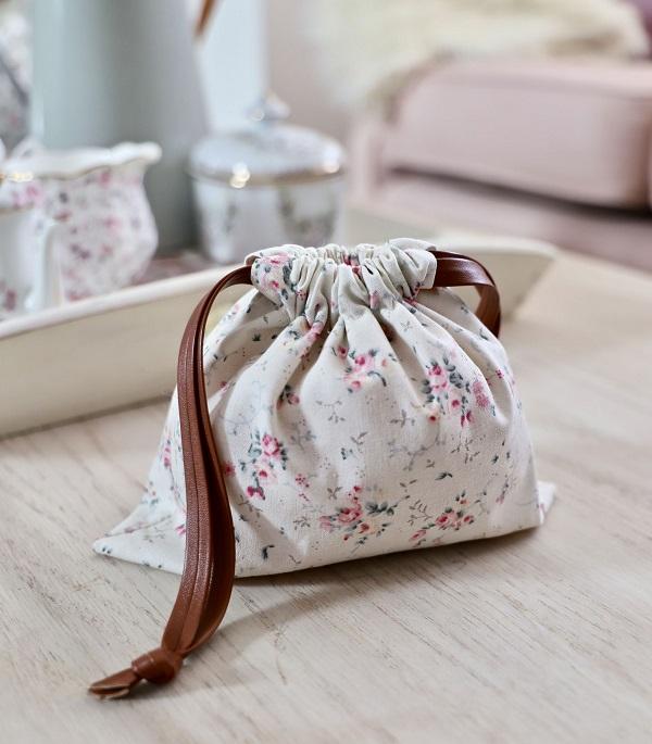 Sewing tutorial: Easy drawstring bag