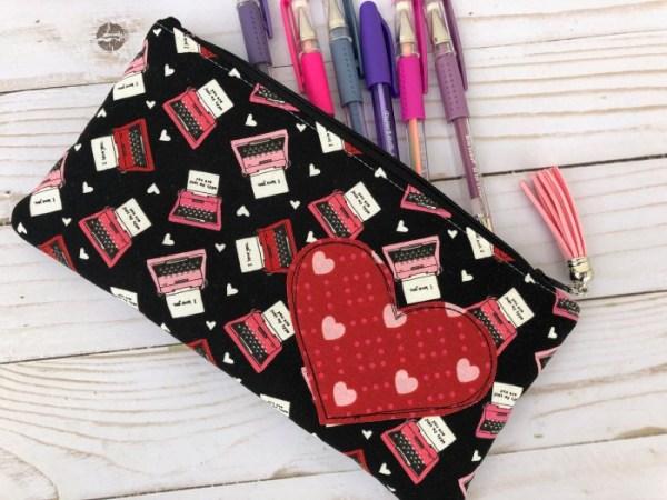 Sewing tutorial: Heart zipper pouch