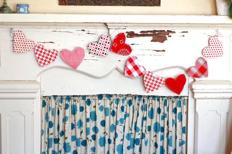 Sewing tutorial: Fabric heart Valentine garland