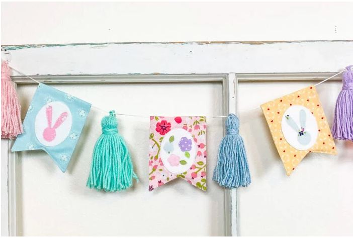 Sewing tutorial: Spring banner with yarn tassels