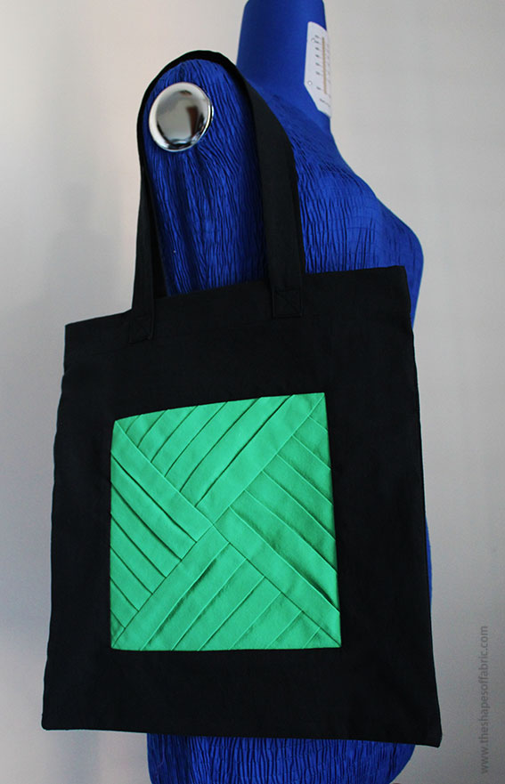 Sewing tutorial: Tote bag with a pleated motif