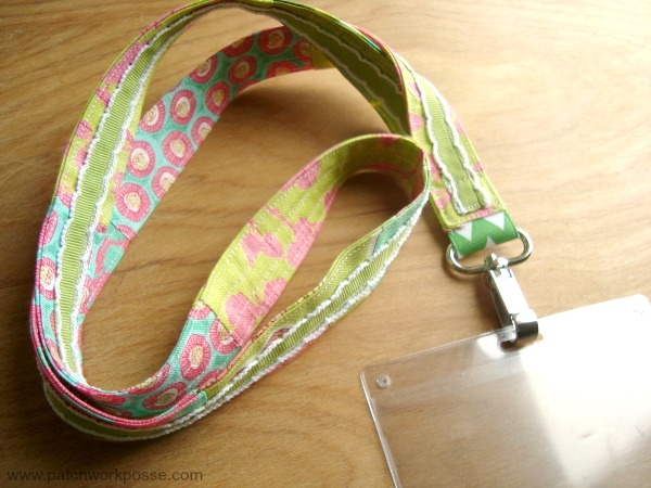 Sewing tutorial: Fabric and ribbon lanyard