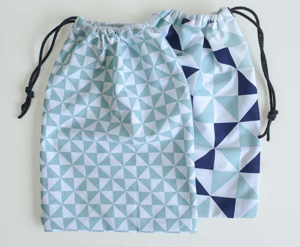 DIY sewing tutorial: Easy tea towel drawstring bag