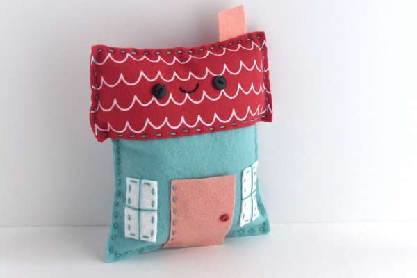 Little Felt House Softie - Free Sewing Pattern