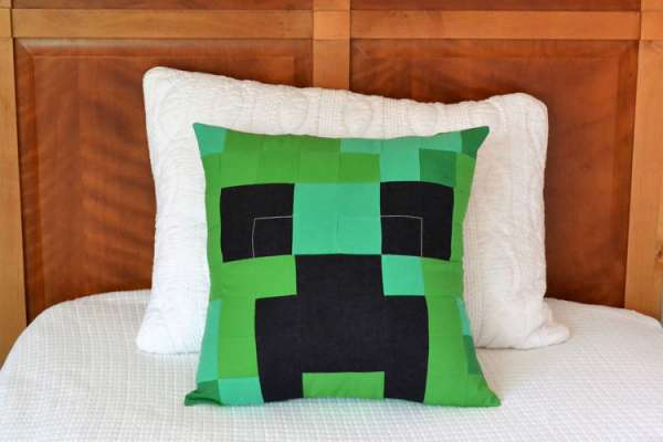 Minecraft Creeper Pillow - DIY Sewing Tutorial