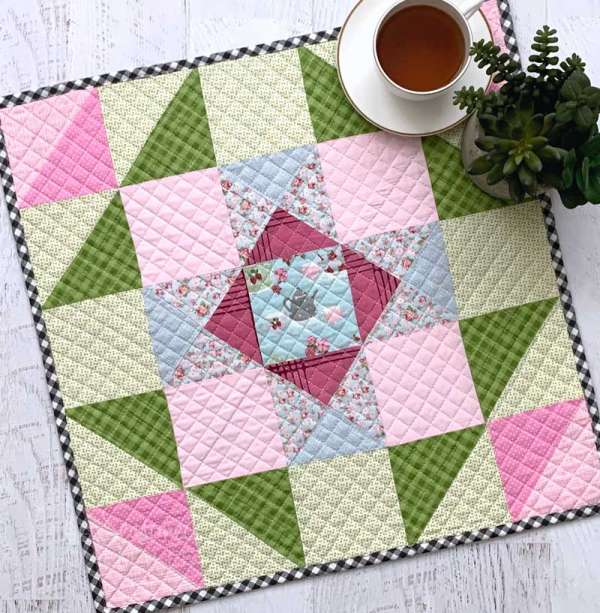 Spring Mini Quilt or Table Topper - Sewing Tutorial