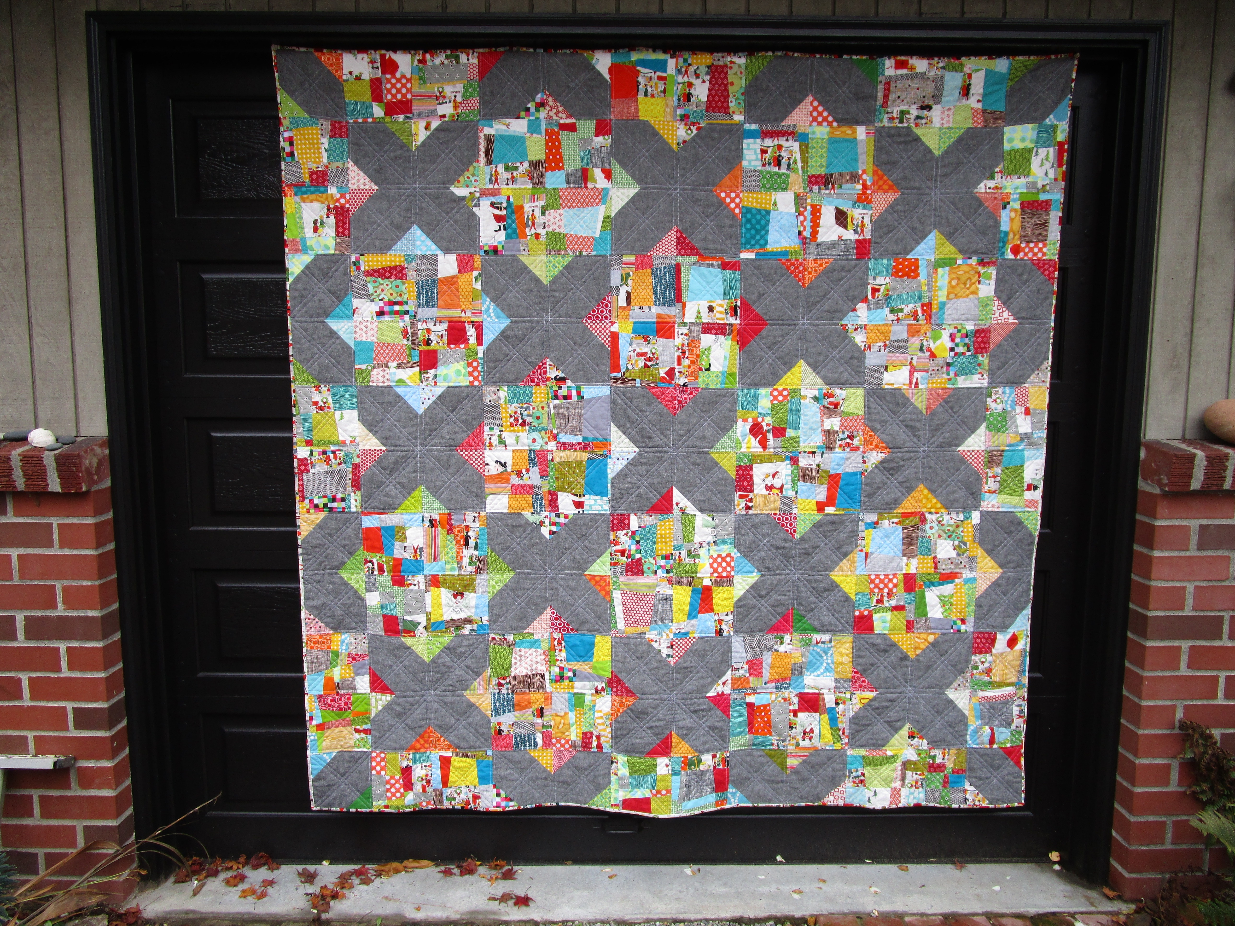 SEW KATIE DID:Split Personality Christmas Quilt Full flat