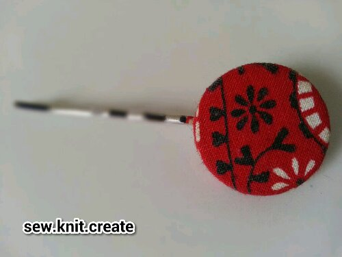 vintage button hairclip from sew.knit.create