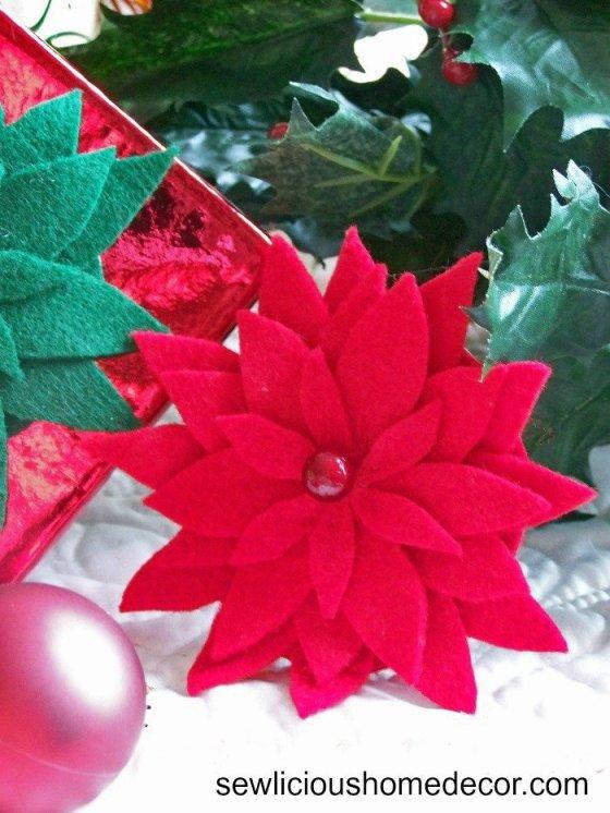 Poinsettia Flower Tutorial at sewlicioushomedecor.com