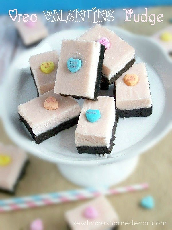 Oreo Valentine's Day Fudge at sewlicioushomedecor.com