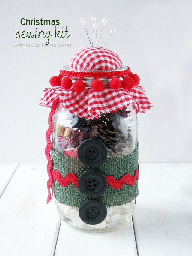 Christmas Sewing Kit at sewlicioushomedecor.com