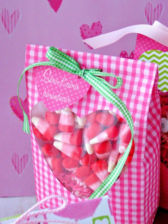 Heart Valentine Treat Bags at sewlicioushomedecor.com
