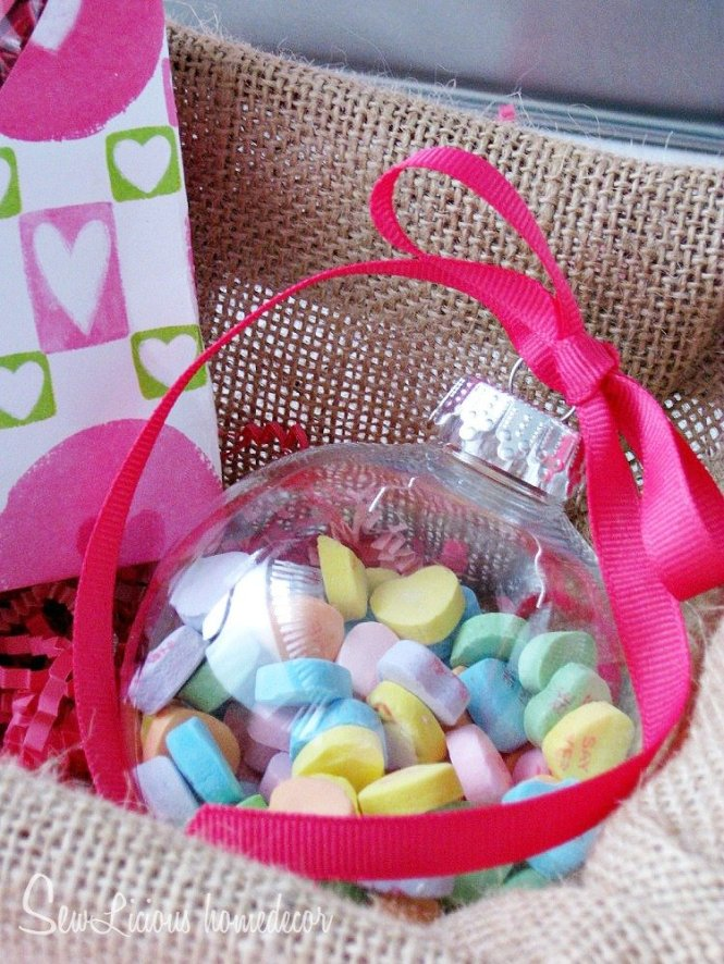 Valentine Candy Treat Ornament at sewlicioushomedecor.com