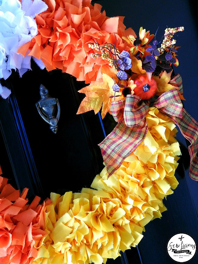 halloween-candy-corn-wreath-made-from-fabric-sewlicioushomedecor-com