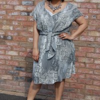 Vogue 1395: DIY Snake Print Tie Front Dress