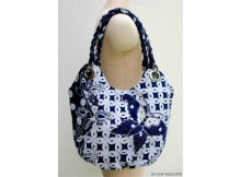 If you want to make a bag that is safe from those nasty pickpockets then here is The Helsinki Anti-Pickpocket Bag. You can get the FREE PDF downloadable pattern here and watch three excellent FREE videos showing you how to make the bag.