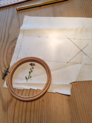 Forget me not embroidery start