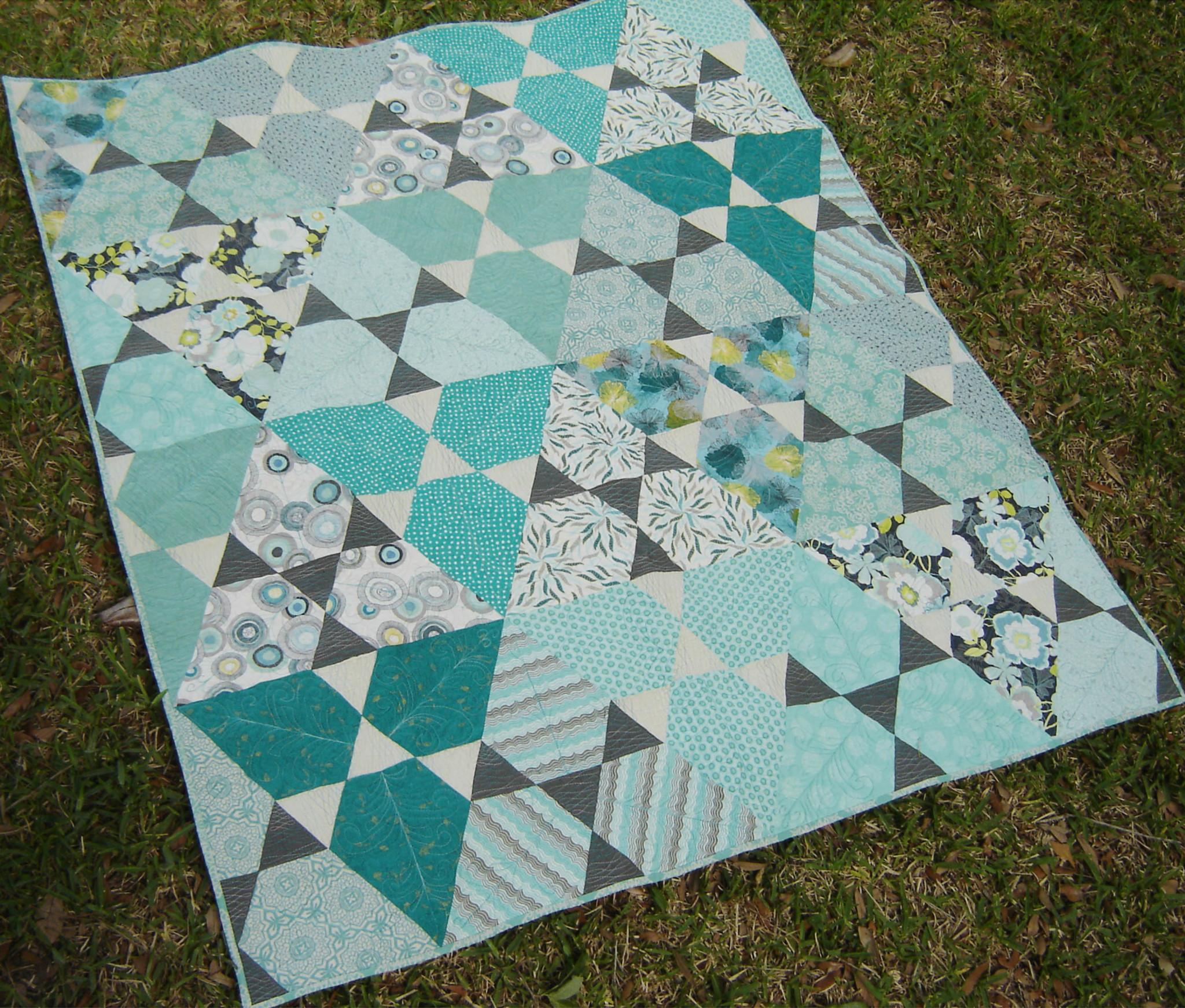 Jaybird Pattern Review Lotus Sew Sweetness Desperate quilters   online fabric store featuring high quality quilt shop fabrics and notions. jaybird pattern review lotus sew