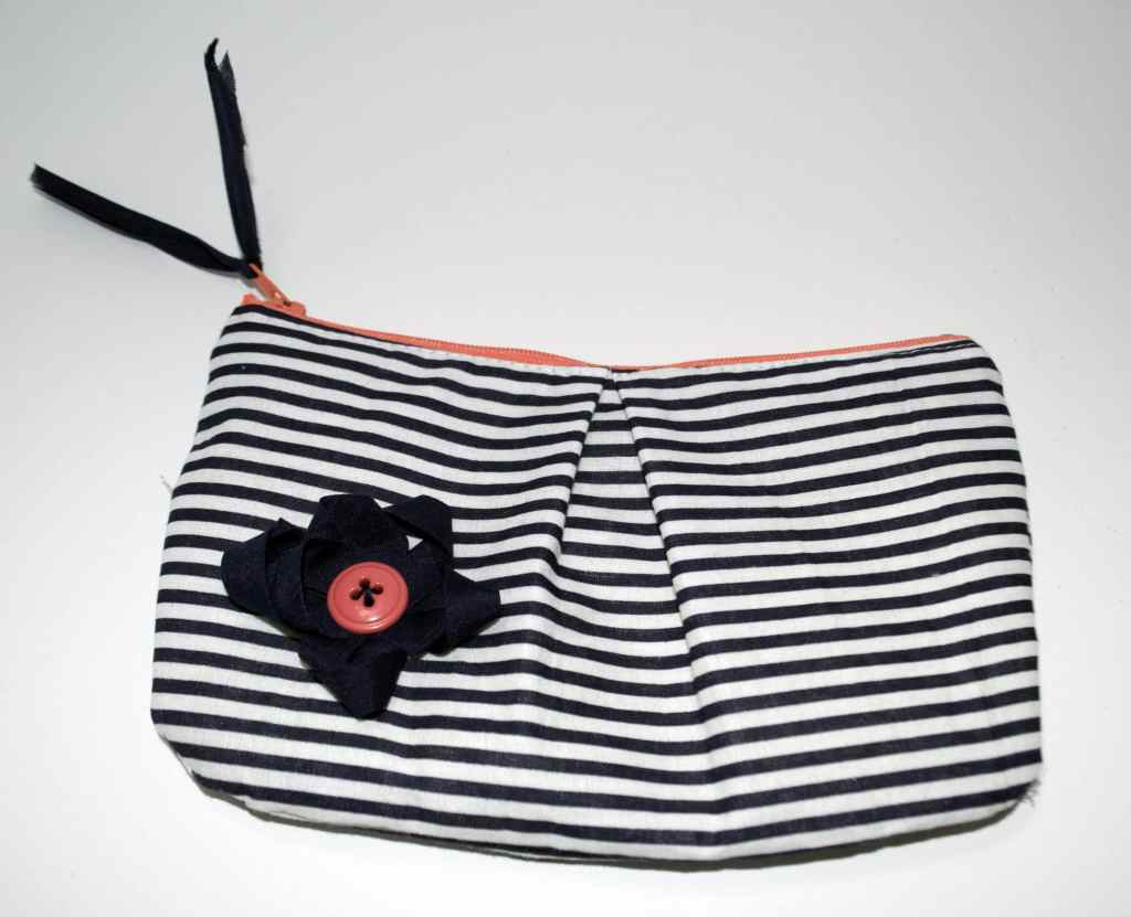 Finished-Makeup-Bag-1024x831 DIY Pleated Makeup Bag