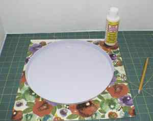Trace-the-Circle-onto-the-Paper-300x237 Upcycle Dollar Store Range Covers