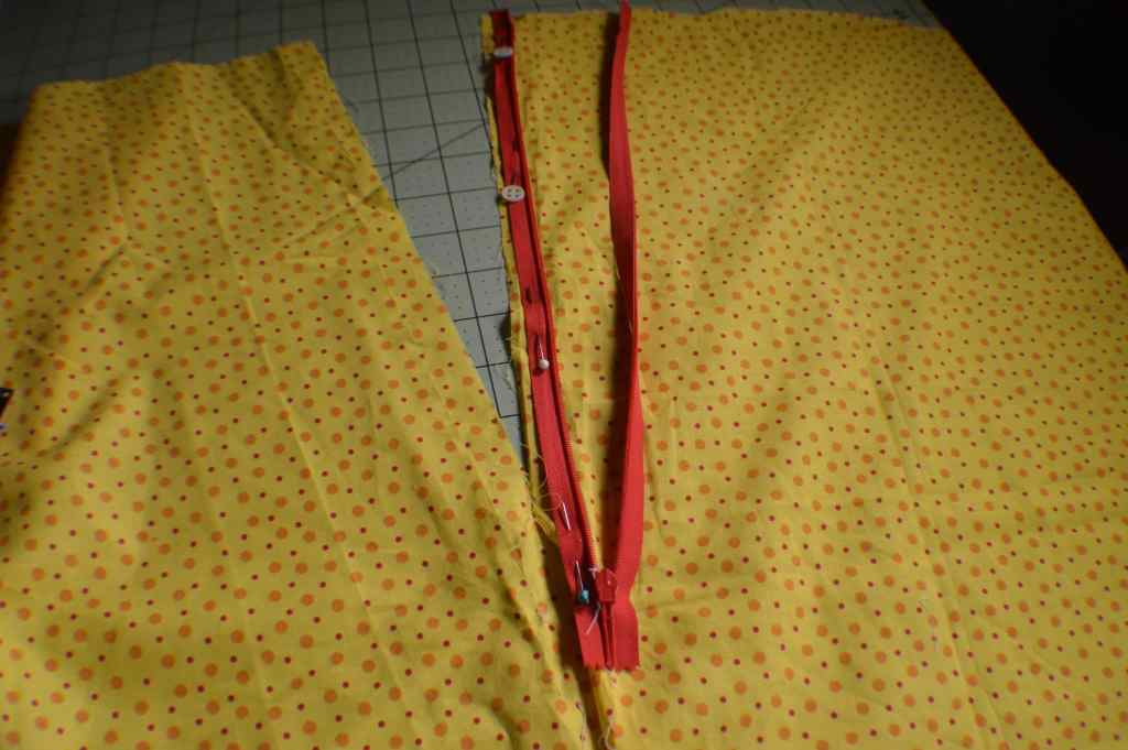 Learn to sew: how to sew an invisible zipper