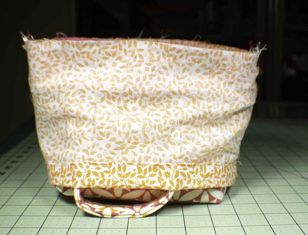 Add-the-interior-fabric-1024x784 How to Make a Pretty Little Lunch Bag