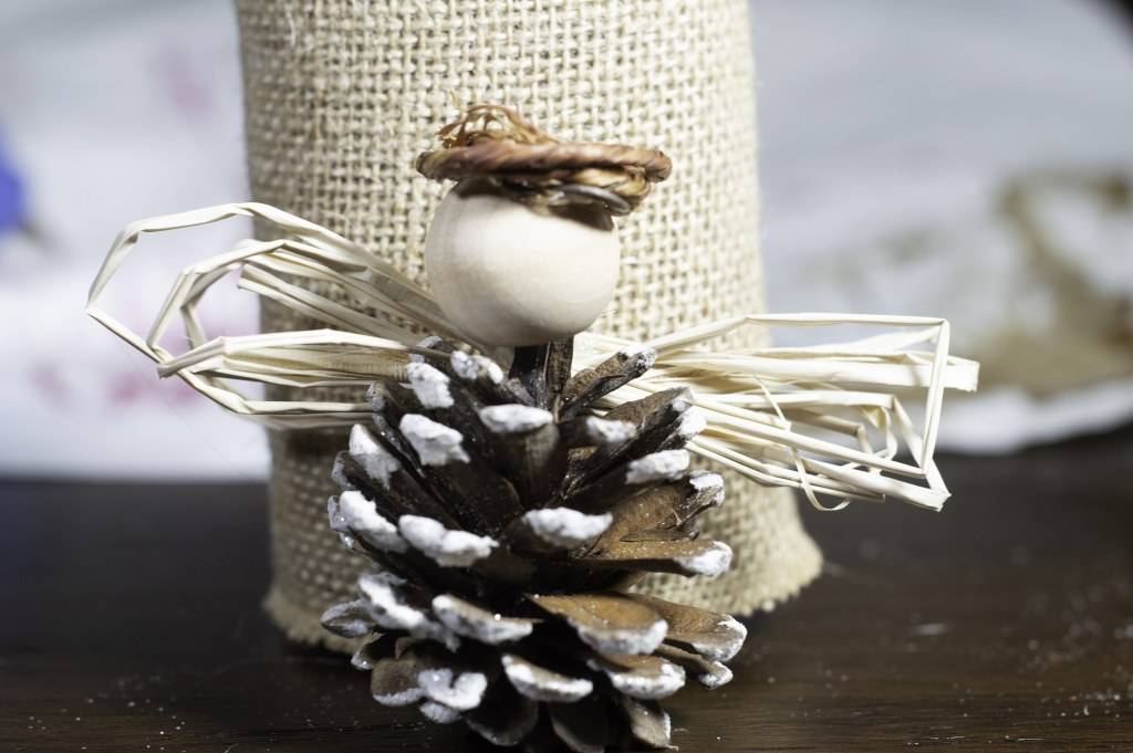 4 Beautiful DIY Pine Cone Christmas Ornaments