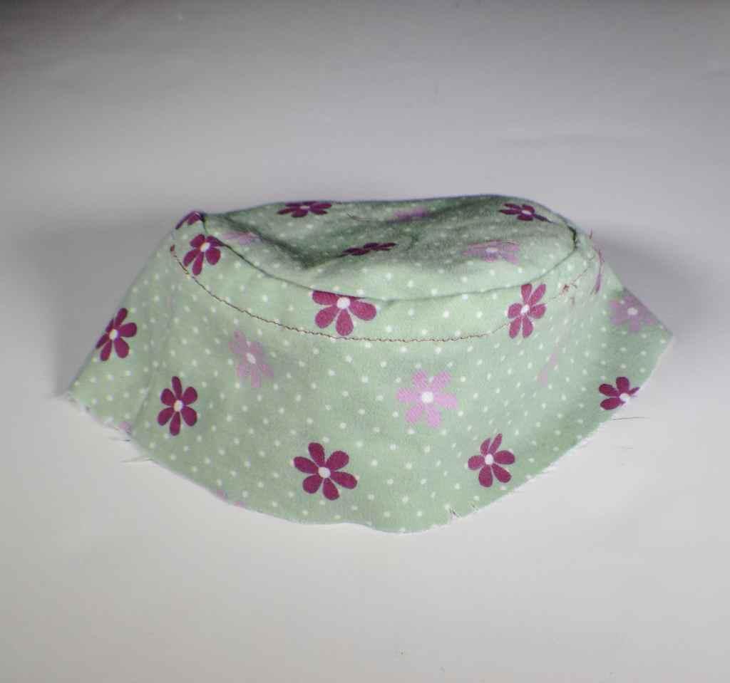 Make a reversible bucket hat