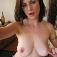 Frau sucht erotische Beziehung