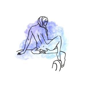 Поза для секса в машине на капоте Девушка сидит на копоте раздвинув ноги Парень ей делает куни