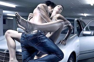 Секс в машине на капоте машины. Парень раздевает девушку готовит ее к сексу на капоте машиныю МИНИ
